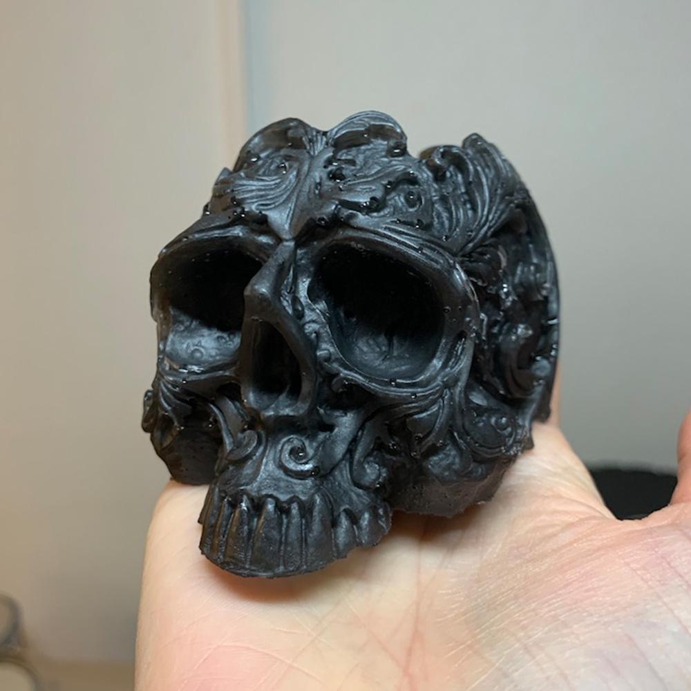 Skull aus Epoxidharz